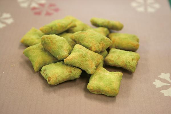 緑米あられ